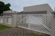 R 2,750,000 - 3 Bedroom, 2 Bathroom  House For Sale in Aurora