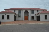R 5,500,000 - 4 Bedroom, 4 Bathroom  House For Sale in Proteaville