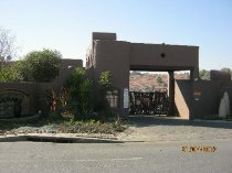 R 895,000 - 2 Bedroom, 2 Bathroom  Residential Property For Sale in North Riding, Randburg