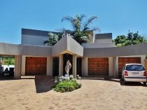 R 2,750,000 - 4 Bedroom, 3 Bathroom  Home For Sale in Moreleta Park