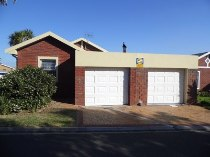 R 1,375,000 - 3 Bedroom, 2 Bathroom  Home For Sale in Langeberg Ridge