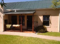 R 799,000 - 2 Bedroom, 1.5 Bathroom  House For Sale in Durbanville