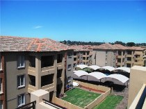 R 530,000 - 2 Bedroom, 1 Bathroom  Flat For Sale in Castleview