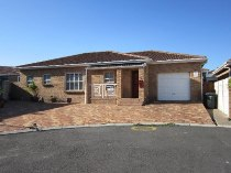 R 1,299,000 - 3 Bedroom, 2 Bathroom  House For Sale in Protea Heights,   Brackenfell