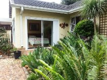 R 1,630,000 - 3 Bedroom, 2 Bathroom  House For Sale in Farrarmere