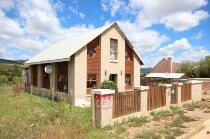 R 700,000 - 2 Bedroom, 1 Bathroom  House For Sale in Napier, Bredasdorp