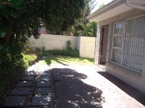 R 7,500 - 2 Bedroom, 1 Bathroom  Flat To Let in Table View, Cape Town, Table Bay