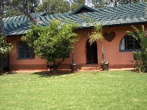 R 1,600,000 - 3 Bedroom, 2 Bathroom  Home For Sale in Helderkruin