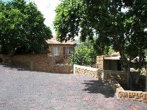 R 750,000 - 2 Bedroom, 1 Bathroom  Residential Property For Sale in Honeydew