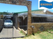 R 695,000 - 3 Bedroom, 2 Bathroom  House For Sale in Merebank, Durban Central