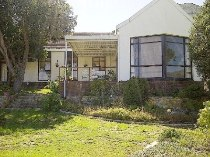 R 2,650,000 - 4 Bedroom, 2 Bathroom  Home For Sale in Clovelly