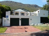 R 3,150,000 - 4 Bedroom, 2 Bathroom  Property For Sale in Clovelly