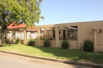 R 8,800 - 3 Bedroom, 2 Bathroom  Home To Rent in Jansen Park, Boksburg