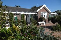 R 2,295,000 - 3 Bedroom, 2 Bathroom  Home For Sale in Fish Hoek