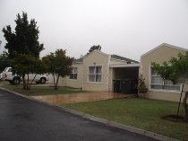 R 1,400,000 - 3 Bedroom, 2 Bathroom  Home For Sale in Sonstraal Heights