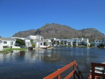 R 1,650,000 - 3 Bedroom, 2 Bathroom  Property For Sale in Marina Da Gama