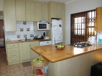 R 5,000 - 1 Bedroom, 1 Bathroom  Flat To Rent in Muizenberg, Cape Town, South Peninsula
