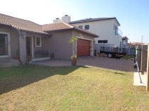 R 1,795,000 - 3 Bedroom, 2 Bathroom  Property For Sale in Sonkring