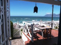 R 1,100 - 3 Bedroom, 1 Bathroom  Home To Rent in St James, Cape Town, South Peninsula