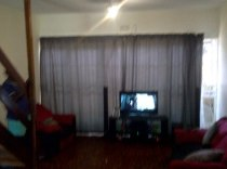 R 385,000 - 2 Bedroom, 1 Bathroom  Flat For Sale in Windsor West