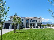 R 4,900,000 - 4 Bedroom, 3 Bathroom  Property For Sale in Val de Vie, Paarl