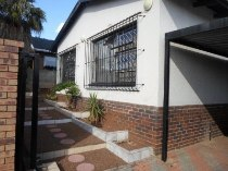 R 1,200,000 - 4 Bedroom, 2 Bathroom  Property For Sale in Sophiatown
