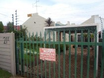 R 650,000 - 2 Bedroom, 1 Bathroom  Residential Property For Sale in Witpoortjie