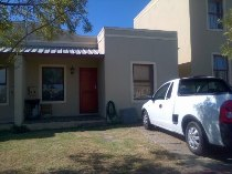 R 460,000 - 2 Bedroom, 1 Bathroom  House For Sale in Kuils River