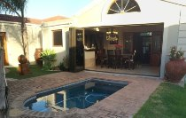 R 1,695,000 - 3 Bedroom, 2 Bathroom  House For Sale in Parklands