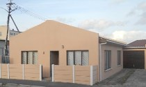R 695,000 - 3 Bedroom, 1 Bathroom  House For Sale in Parow Central