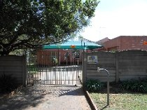R 800,000 - 3 Bedroom, 2 Bathroom  Property For Sale in Greenhills