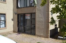 R 330,000 - 2 Bedroom, 1 Bathroom  Flat For Sale in Bellville South