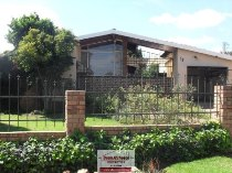 R 990,000 - 3 Bedroom, 2 Bathroom  Home For Sale in Harmelia