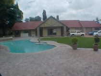 R 1,920,000 - 3 Bedroom, 2 Bathroom  Property For Sale in Glen Marais