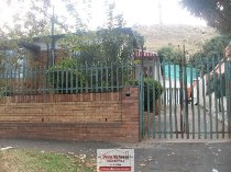 R 780,000 - 3 Bedroom, 2 Bathroom  House For Sale in Bezuidenhout Valley