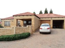 R 995,000 - 3 Bedroom, 2 Bathroom  Property For Sale in Pinehaven