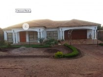 R 850,000 - 4 Bedroom, 2 Bathroom  House For Sale in Thohoyandou
