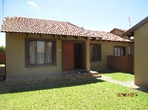 R 6,500 - 2 Bedroom, 1 Bathroom  Property To Let in Krugersdorp