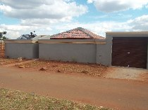 R 650,000 - 3 Bedroom, 2 Bathroom  House For Sale in Protea North