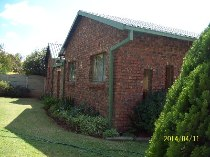 R 820,000 - 5 Bedroom, 2 Bathroom  Property For Sale in Naudeville, Welkom