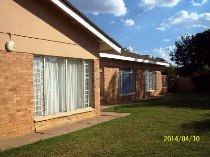R 869,500 - 4 Bedroom, 2 Bathroom  House For Sale in Naudeville, Welkom