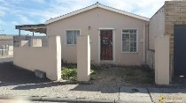 R 350,000 - 2 Bedroom, 1 Bathroom  Property For Sale in Mitchells Plain