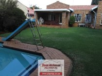 R 1,390,000 - 3 Bedroom, 3 Bathroom  Home For Sale in Hurlyvale