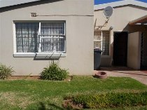 R 350,000 - 3 Bedroom, 1 Bathroom  Property For Sale in Florida