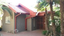 R 869,000 - 4 Bedroom, 3 Bathroom  House For Sale in Dagbreek