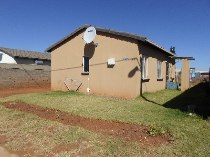 R 440,000 - 3 Bedroom, 1 Bathroom  House For Sale in Protea Glen