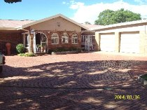 R 1,065,000 - 4 Bedroom, 2 Bathroom  Home For Sale in Dagbreek