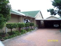 R 1,300,400 - 3 Bedroom, 2 Bathroom  House For Sale in Dagbreek