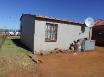 R 380,000 - 3 Bedroom, 1 Bathroom  House For Sale in Protea Glen