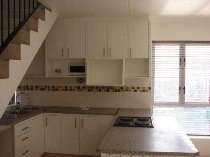 R 6,500 - 2 Bedroom, 1 Bathroom  Apartment To Rent in Wynberg